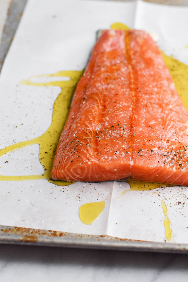HOW TO MAKE SALMON PERFECTLY (IN THE OVEN!)-2 copy