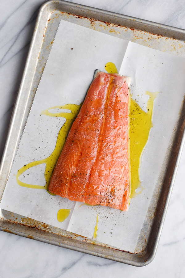 HOW TO MAKE SALMON PERFECTLY (IN THE OVEN!)