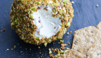 Goat Cheese & Pistachio Cheese Ball
