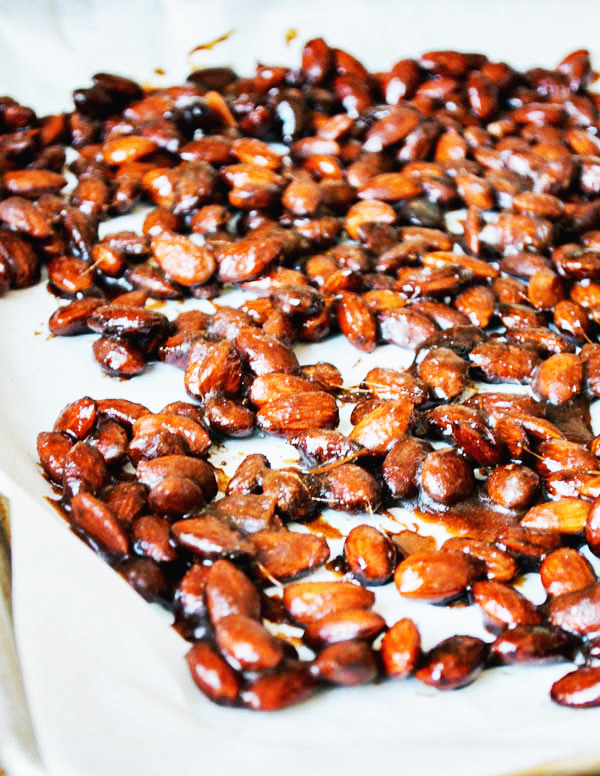 SLOW COOKER SUGAR ROASTED ALMONDS