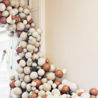 an-epic-balloon-garland-diy-copy