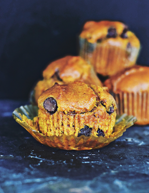 (REALLY GOOD) PUMPKIN CHOCOLATE CHIP MUFFINS