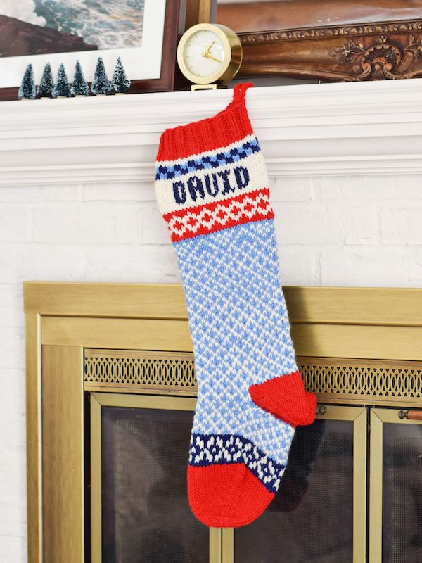 Rachel Schultz: KNITTED CHRISTMAS STOCKINGS!
