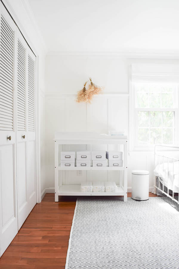 A NEUTRAL, SOPHISTICATED SHARED GUEST BEDROOM AND NURSERY-3