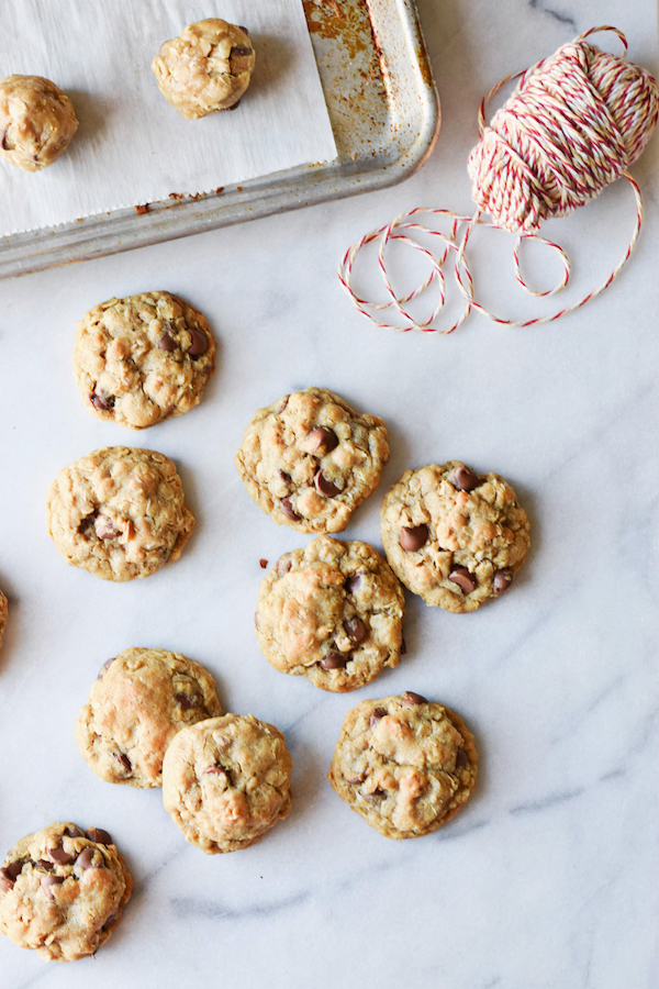 EXTRA SOFT OATMEAL CHOCOLATE CHIP COOKIES
