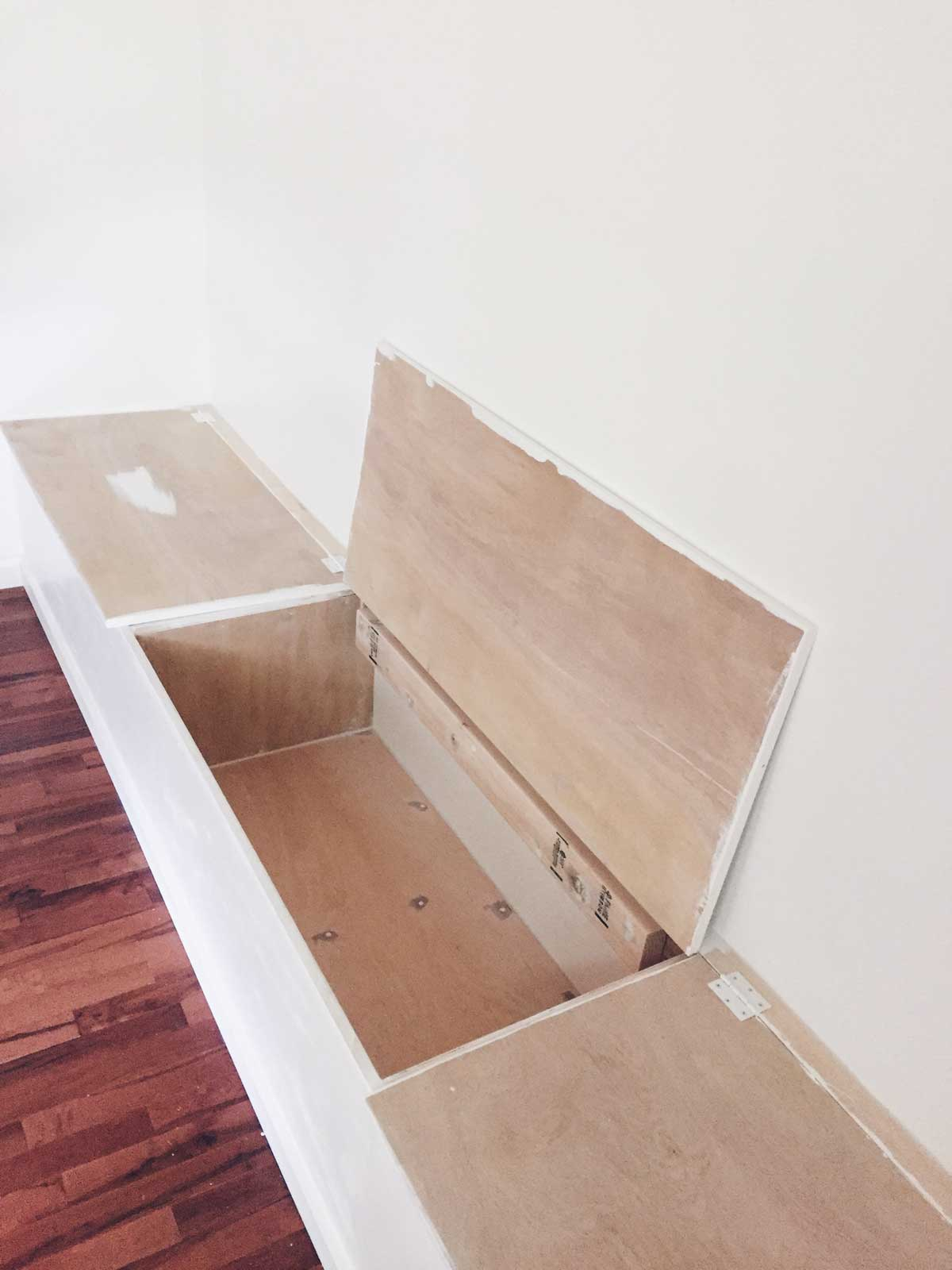 BUILDING A DINING ROOM BANQUETTE